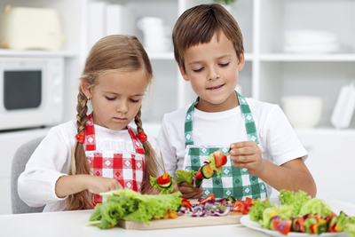 2-kids-cooking-reduced